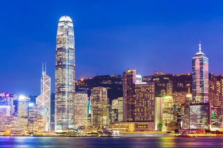 <香港-澳门1晚2日游>2成人出行送暖心礼包,广州出发,穿越港珠澳大桥,星光大道,大型游轮夜游维港,可附加升级海洋公园、蜡像馆、四星酒店