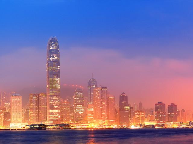 <香港1日游>黄大仙祈福,太平山美景,船游维多利亚港,可选杜莎夫人蜡像馆/海洋公园