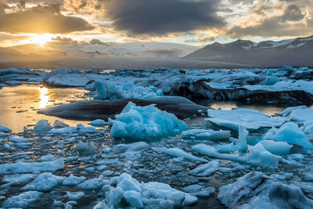<冰岛当地7日+往返机票游>4至7人纯玩小团,极地探索之蓝冰洞/冬季追极光/飞机残骸/蓝湖温泉,可延续行程