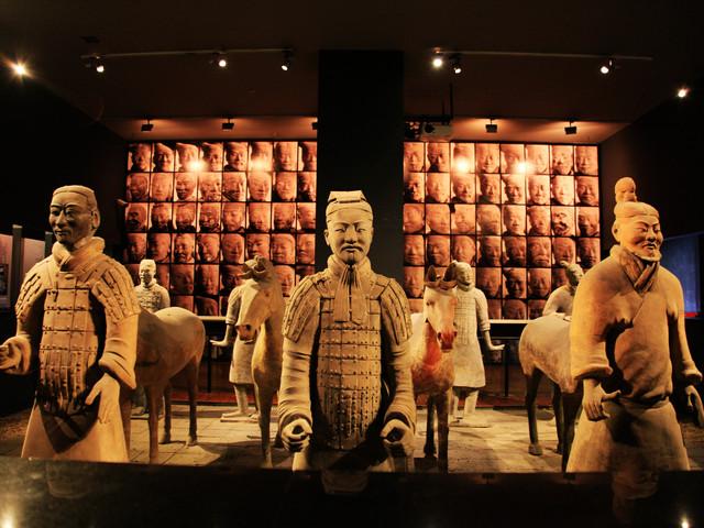 [中秋]<陕西历史博物馆-大唐珍宝馆-基本陈列馆+人工讲解成人>独座大型现代化博物馆,盛放千年中国古代文明的艺术殿堂