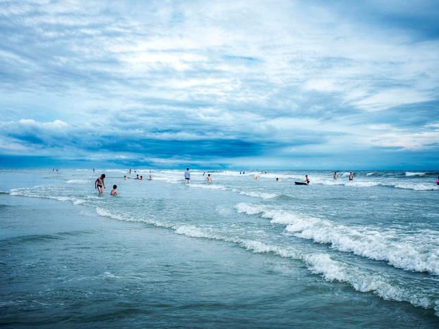 踩一踩银滩的细沙