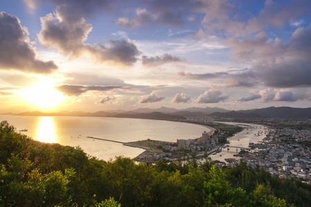 <惠州双月湾宝安虹海湾酒店2天游>往返巴士、浪漫海景、宿公寓地中海180度海景双床房