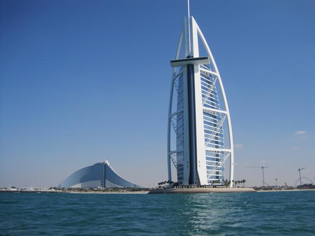 <迪拜+阿布扎比4天3晚休閑游>迪拜集散、1天自由活動、全程四星酒店、2人成團、天天發團(當地參團)
