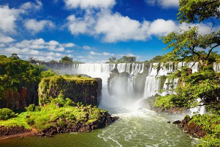 <南美7国安心之旅-巴西-阿根廷-智利-秘鲁-乌拉圭-墨西哥-古巴23日游>无购物无自费,两国观瀑布,纳斯卡地画飞机,老爷车巡游,太阳金字塔