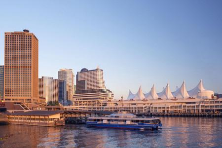 <加拿大温哥华+维多利亚+宝翠花园+维多利亚大学+图腾城+哈利城堡2日游>专车接送,带您全览居住城市温哥华的著名景点(当地参团)