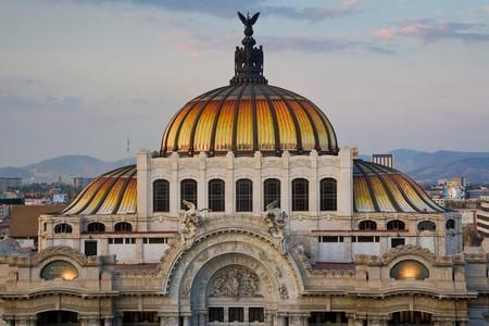 <墨西哥城+太阳金字塔+圣母主教堂+特奥蒂瓦坎-轻松4日游>墨西哥城的名胜古迹,免费接送机(当地参团)