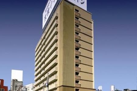 阪急十三站西口东横INN酒店