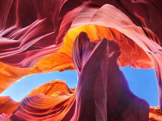 <流光溢彩羚羊峡谷+壮美奇景马蹄湾中英文一日游>(拉斯维加斯出发)