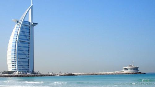 <迪拜+阿布扎比7日游>升级一晚八星酋长皇宫酒店,阿拉伯当地特色餐,朱美拉海滩,法拉利主题公园,阿联酋航空公司直飞迪拜