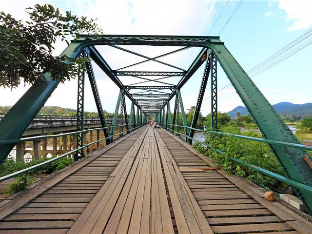 二战纪念大桥