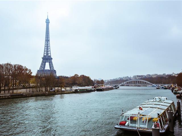 巴黎塞纳河游船