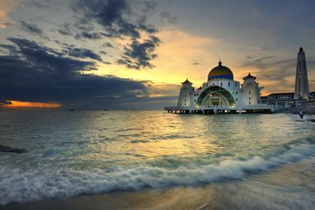 [春节]<新加坡-马来西亚5日游>正点航班,纯玩0购物,入住新加坡乌节文华酒店,波德申海上泳池别墅,环球影城,三轮彩车,黄金海岸,吉隆坡高塔