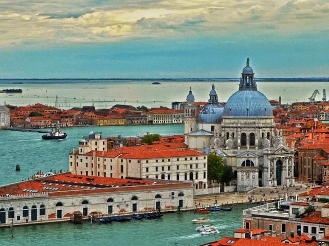 <瑞意法2晚3日循环游>巴黎上罗马下(全程四星)浪漫南法线、米兰大教堂、卢塞恩湖、威尼斯圣马可广场(当地游)
