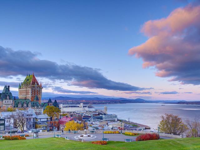 <加拿大魁北克深度一日游>蒙特利尔往返/中英双语导游专业讲解/ 魁北克古城地标精华/水晶瀑布/ 圣安妮大峡谷