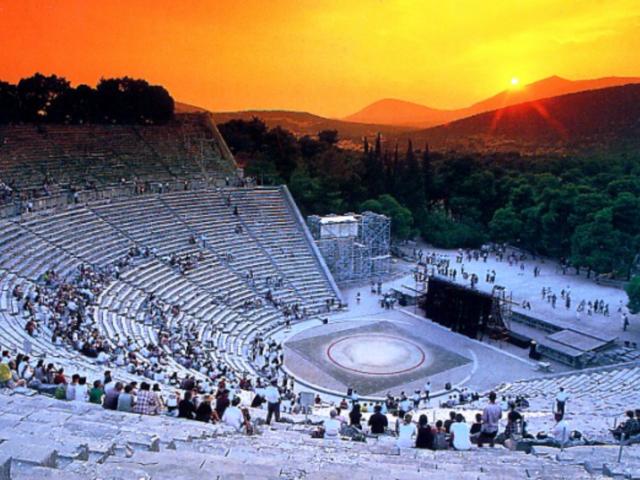 <雅典+埃皮达鲁斯+迈锡尼+奥林匹亚+德尔菲+迈泰奥拉7日游>含接送机、景点门票、可升级四星酒店(当地参团)