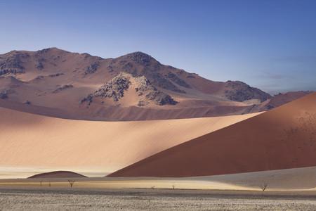 <纳米比亚+埃塞俄比亚轻探险11日游>成都出发/一价全含/星空银河/摄影家天堂/星空下的箭袋树/红沙漠/死亡盆地/鲸湾港出海/沙漠探险
