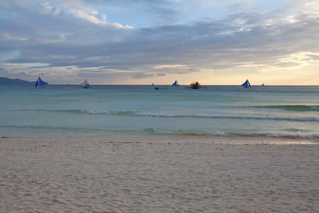 <菲律宾长滩岛5或6日游>漫时光半自助,郑州直飞,全程舒适型酒店,含599大礼包,出海一日游,自由浮潜,海鲜BBQ,日落风帆