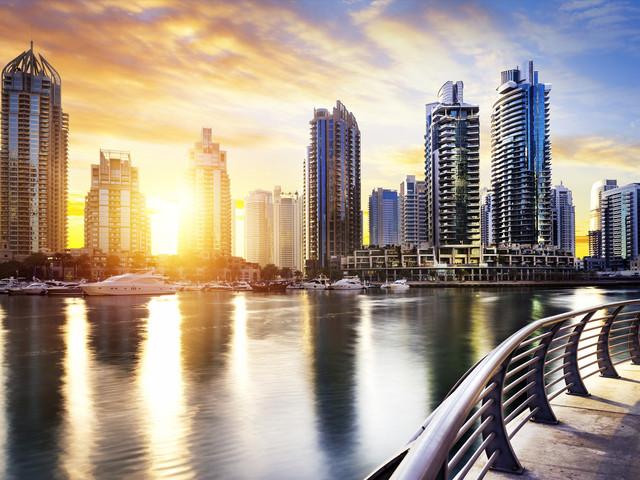 <迪拜-阿布扎比4晚5日游>途牛自营,2到10人小团,纯玩无购物,全程国五酒店,轻轨观棕榈岛,迪拜一天自由活动,含法拉利公园游玩(当地参团)