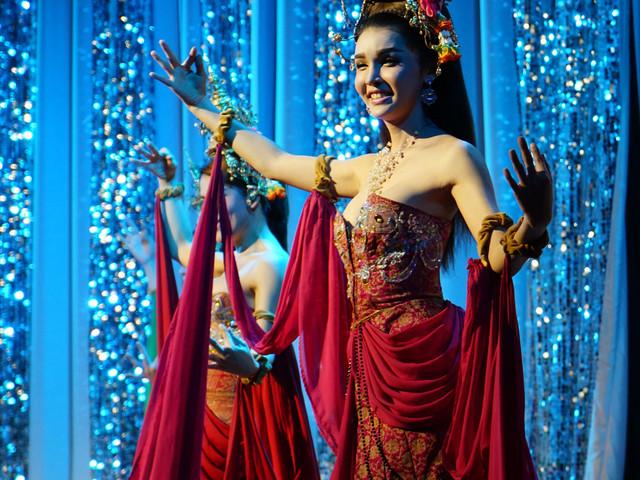 <清迈人妖秀门票(曼谷原班人马门票+接送服务)> Chiang Mai Miracle Cabaret Show