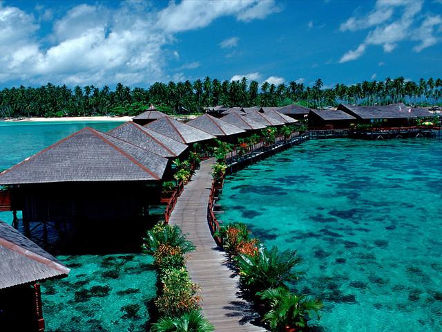 <东姑阿都拉曼海洋公园海上浮台一日游>东南亚超大海上浮台、娱乐项目丰富、自由活动时间充足
