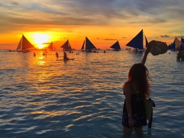 <菲律宾 长滩岛 落日风帆包或拼船体验>【白沙滩+海上日落+风帆拼船+中文服务】