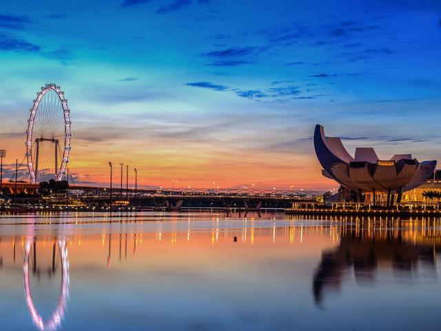 <新加坡市区1日游>(酒店接送)鱼尾狮公园、滨海湾花园、克拉码头、甘榜格南哈芝巷、小印度、乌节路