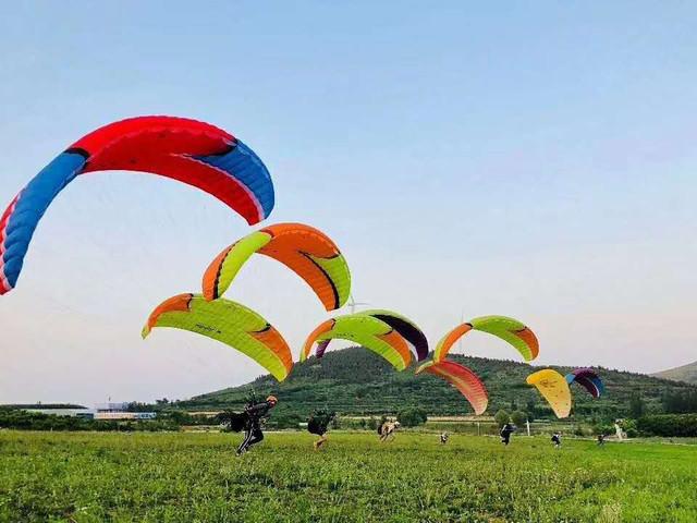 [春节]<贵州遵义海云天滑翔伞体验 | 海云天飞行运动基地俱乐部>亲子打卡必去圣地 赠送专业视频 +录像服务