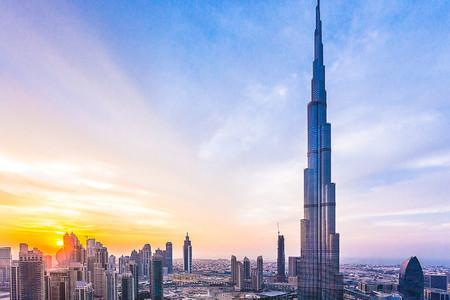 <迪拜-阿布扎比6日游>多线路可选,香港直飞,A线去程A380/古堡餐/运河游船,B线范思哲丽思卡尔顿沙漠别墅,C线1晚斯布尔宫,D线法拉利