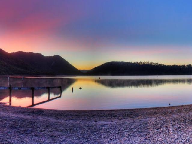 <新西兰北岛3日游>3-5多次往返签证 霍比囤 怀托摩萤火虫洞 罗托鲁瓦 爱歌顿农庄 毛利地热文化村 汤加里罗国家公园(当地参团)