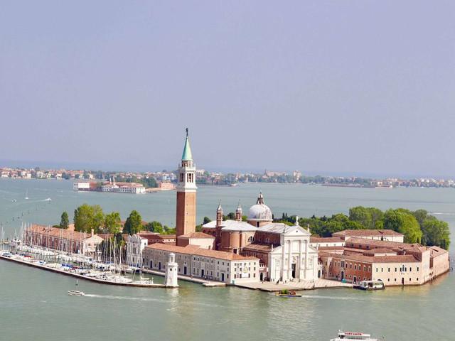 <意大利七天六晚全景深度循环游>每周四米兰铁发 全程四星酒店 含五渔村 圣马力诺(当地游)