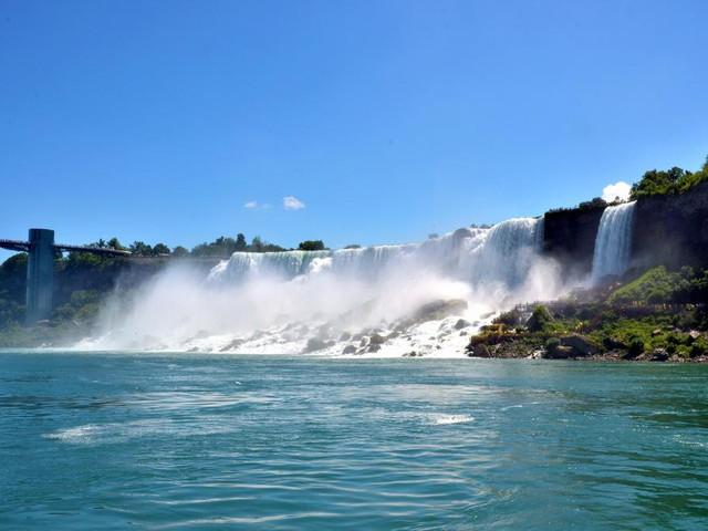 """<美国纽约+尼亚加拉瀑布+波士顿3日游>纽约出发,内进瀑布""""风之洞"""",步行公羊岛和月亮岛,深度游览哈佛和耶鲁(当地参团)"""