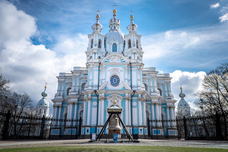 <曼妙俄罗斯+哈萨克斯坦-莫斯科+圣彼得堡+阿拉木图8日跟团游>一次出游两个国家,0服务费,赠送大马戏或芭蕾舞门票,双点进出,不走回头路