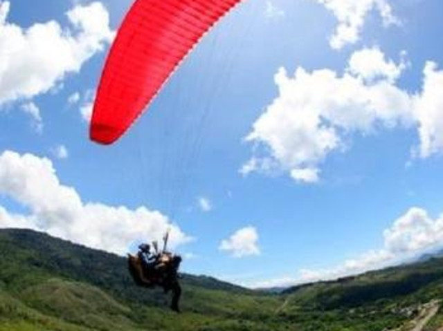 <亚庇神山滑翔伞一日游>沙巴牧牛场参观+拍照+亲密接触小牛羊+滑翔伞+ATV都可搭配选择(当地参团)
