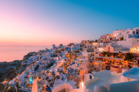 <希腊+高加索三国亚美尼亚+格鲁吉亚+阿塞拜疆15日游>雅典卫城,圣托里尼岛,缆车,骑乘驴子,奥林匹克运动场,戈尔尼神殿