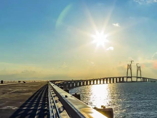 <【港澳快线,途径港珠澳大桥】澳门到香港港珠澳直通巴士>