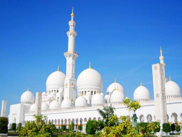 <【提前1天预订】迪拜阿布扎比深度体验全景一日游>谢赫扎耶德大清真寺,法拉利主题公园,华纳兄弟主题公园,卢浮宫,八星皇宫酒店(当地参团)
