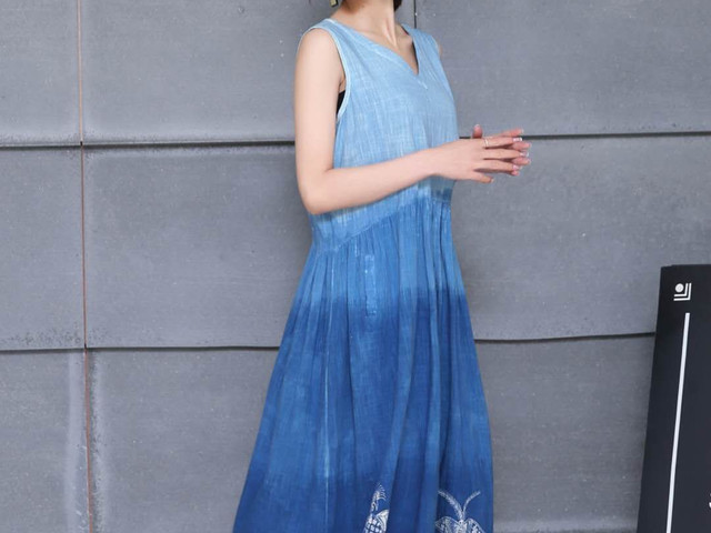 贵州 手工蜡染四色艺术无袖连衣裙 纯手工制作 预订后15天发货