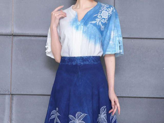 贵州 手工蜡染白色短袖和椰子短裙套装 纯手工制作 预订后15天发货