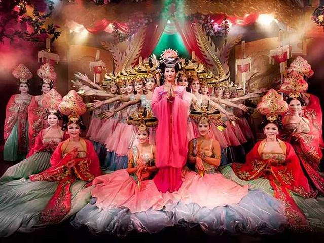 <曼谷克里普索夜市人妖秀表演門票Calypso Cabaret>泰式歌舞表演-百老匯經典劇場