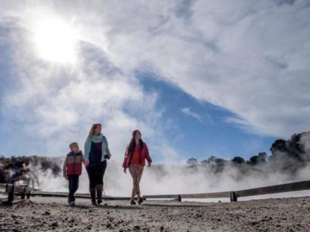 <新西兰-北岛特色2日小团游>经典景致+地热火山泥浴+九道式晚餐+【4人即可成团】(当地参团)