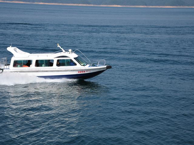 <黄山到千岛湖纯玩一日游>深度码头往返、含游船、游中心湖区、结束可返杭州