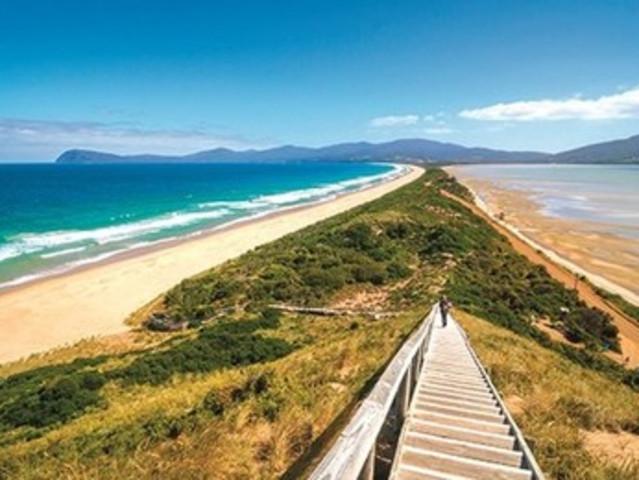 <澳大利亚塔斯马尼亚布鲁尼岛出海中文一日游>大巴接送+地峡奇观+快艇出海/灯塔湾+寻找白袋鼠+生蚝农场