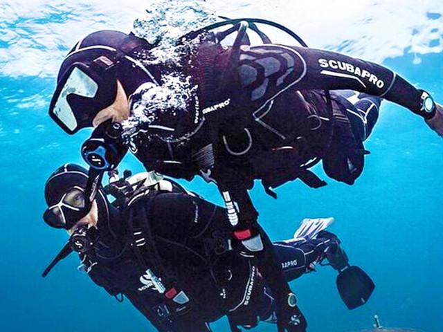 <泰国普吉岛爱趣潜水中心 PADI潜水考证OW/AOW/潜水证课程深潜>
