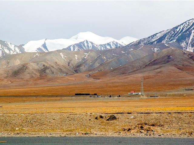 青海 | 布喀达坂峰