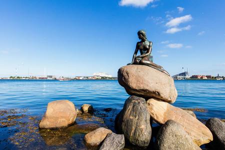 <北欧挪威+瑞典+芬兰+丹麦四国9-11日游>25人小团/优选航空/酒店升级/游轮晚餐/C行程赛马湖/D行程布道石三峡湾湾