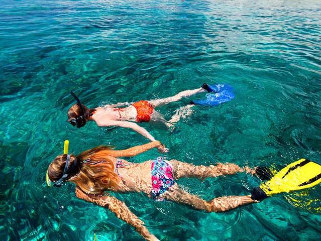 <马来西亚沙巴美人鱼岛+Kawa红树林一日游>海陆畅玩 水清沙幼 潜水圣地 漫天萤火虫 看日落