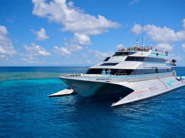 <澳大利亚凯恩斯银梭号+阿金考特大堡礁一日游>直升机观光+浮潜+深潜+半潜水艇+海底漫步+自助午餐