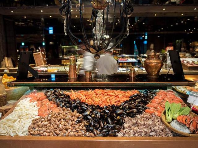 <【台北 高端海鲜牛排自助餐】君品酒店云轩餐厅 美食套餐>各式海鲜及蔬果无限量供应