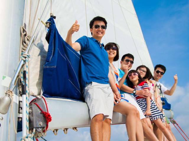 <【普吉蜜月岛双体帆船一日游】>白天和日落双重选择,私人小岛更精致