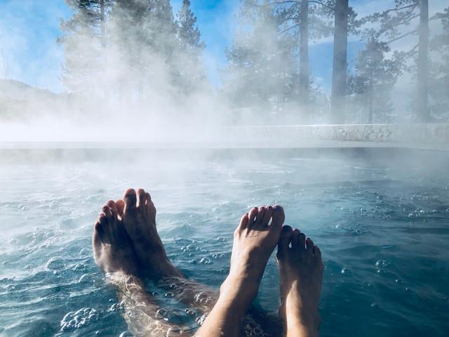 <太行山麓第一泉-大午温泉1日游>游泳健身、水上娱乐、保健休闲、汗蒸桑拿为一体